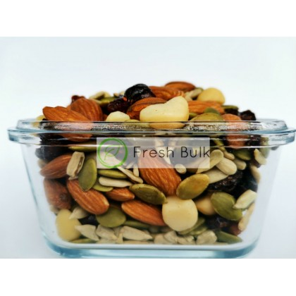 Fresh Bulk Berries Macadamia Trail Mix 130g